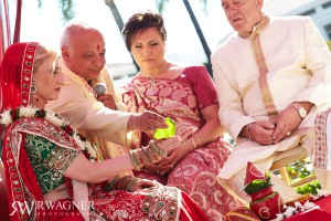 Marianna & Dev's Ravishing Indian Wedding…